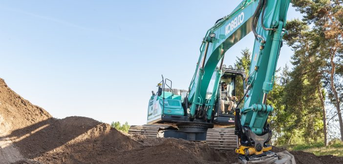 Kobelco excavators to be equipped with Engcon tiltrotators and auto-tilt