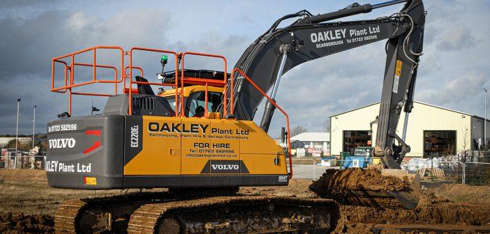 Oakley Plant Ltd takes delivery of a brand new Volvo EC220E
