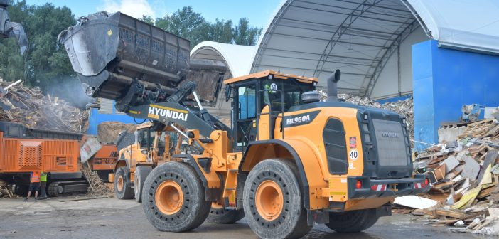 BTU Hartmeier renews fleet with a new stage V Hyundai HL960A wheel loader