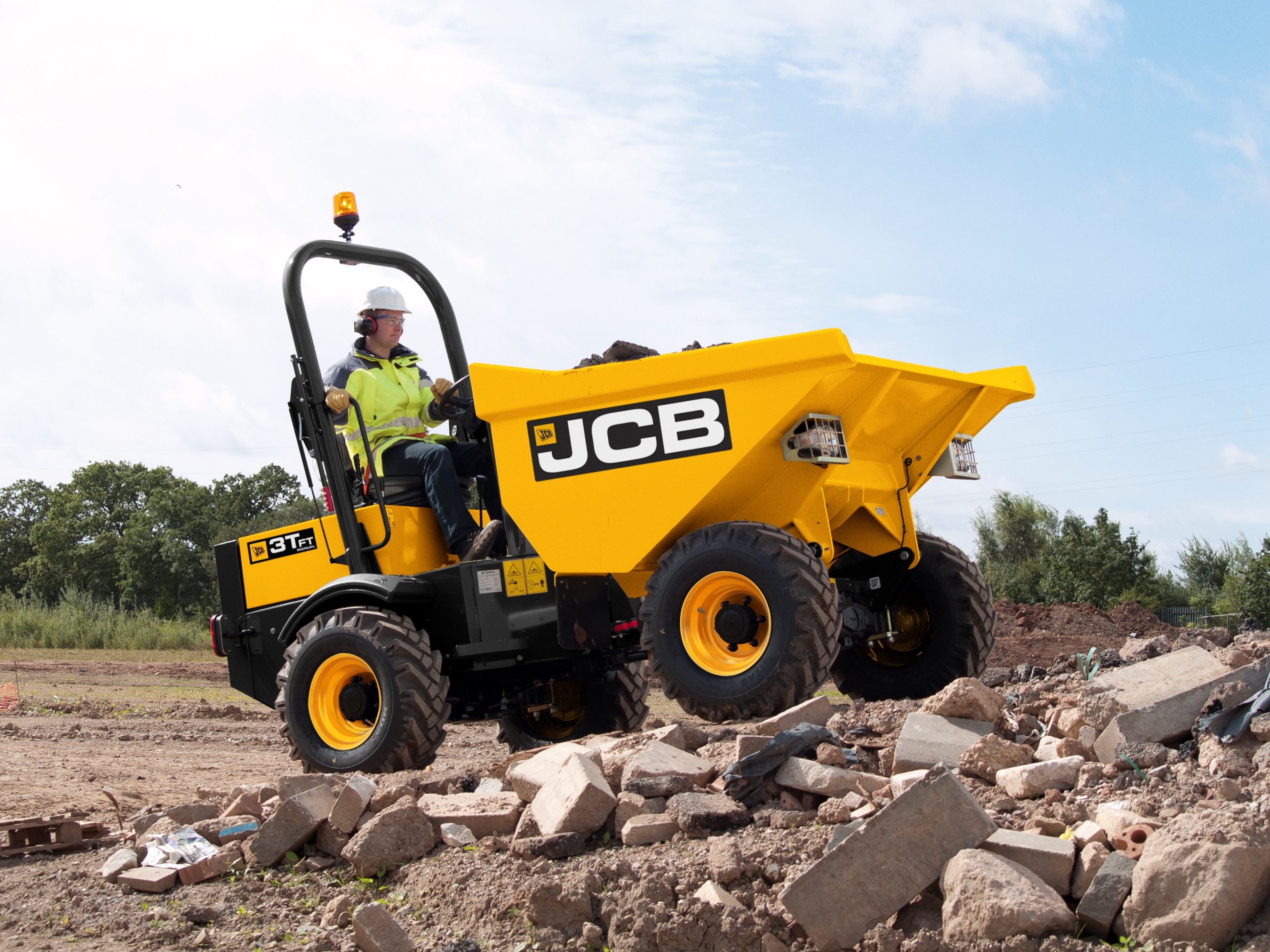 jcb is to launch a comprehensive range of site dumpers ranging in size from one to 10 tonnes. Black Bedroom Furniture Sets. Home Design Ideas
