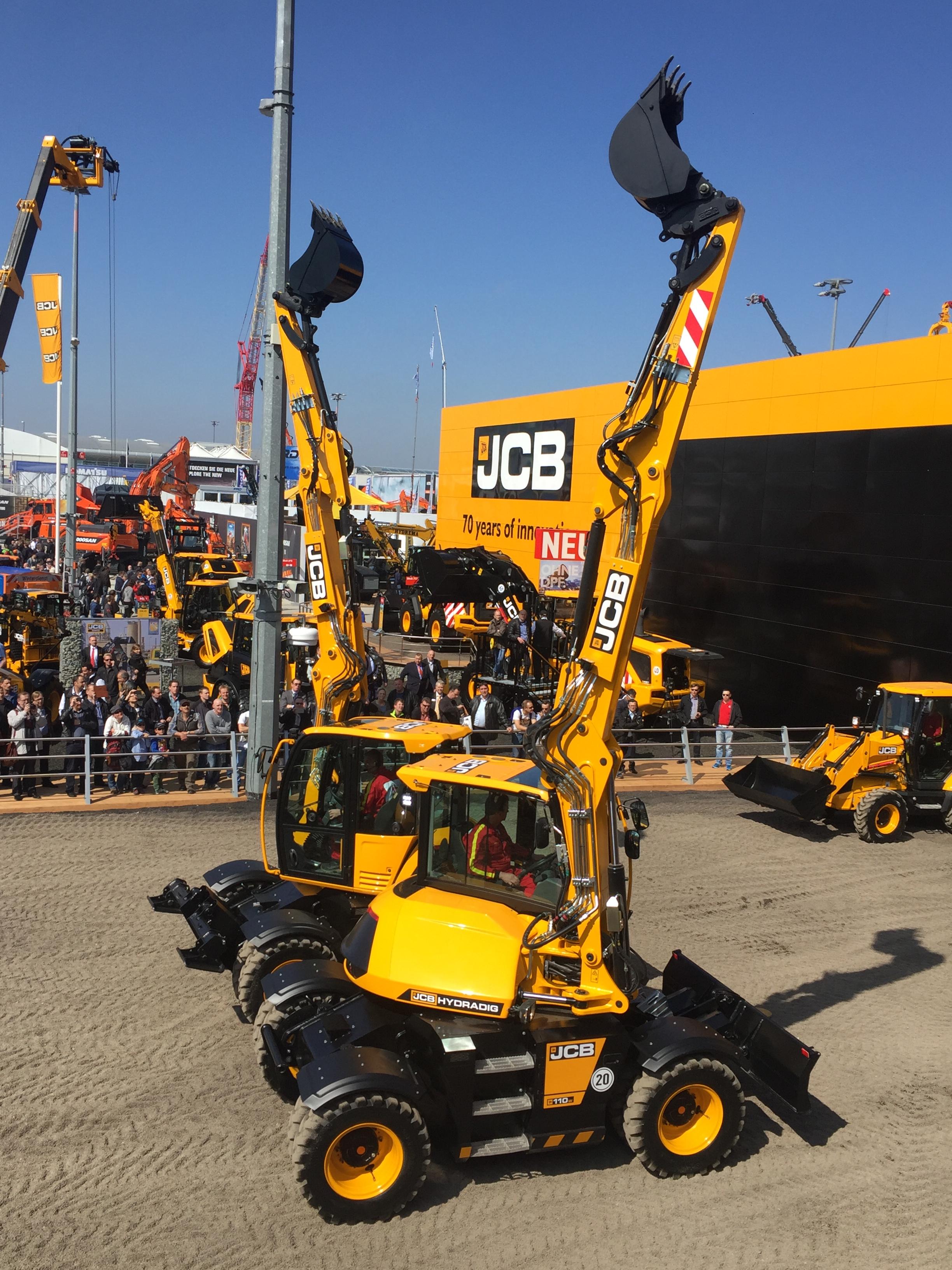 mulholland saves 10 on fuel with new jcb excavators cea